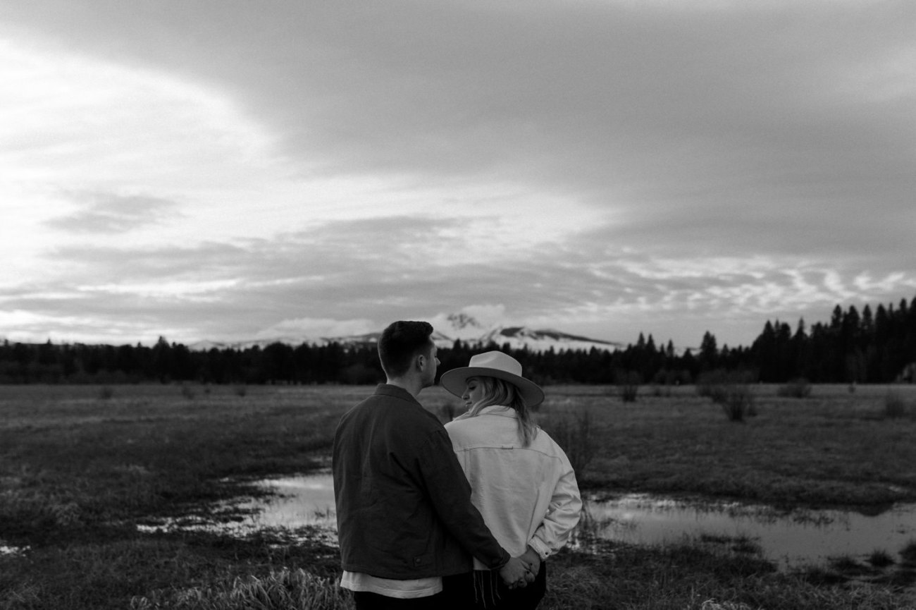 Black Butte Ranch Sisters Oregon Engagement Session Bend Wedding Photographer Anais Possamai Photography 015