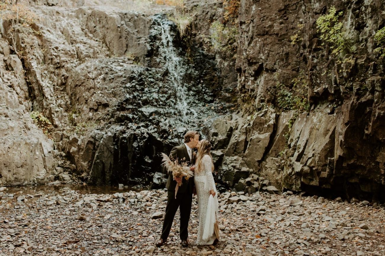 New Jersey Backyard Wedding Vintage Boho Wedding Hemlock Falls NJ Bend Oregon Wedding Phtographer Anais Possamai Photography 020