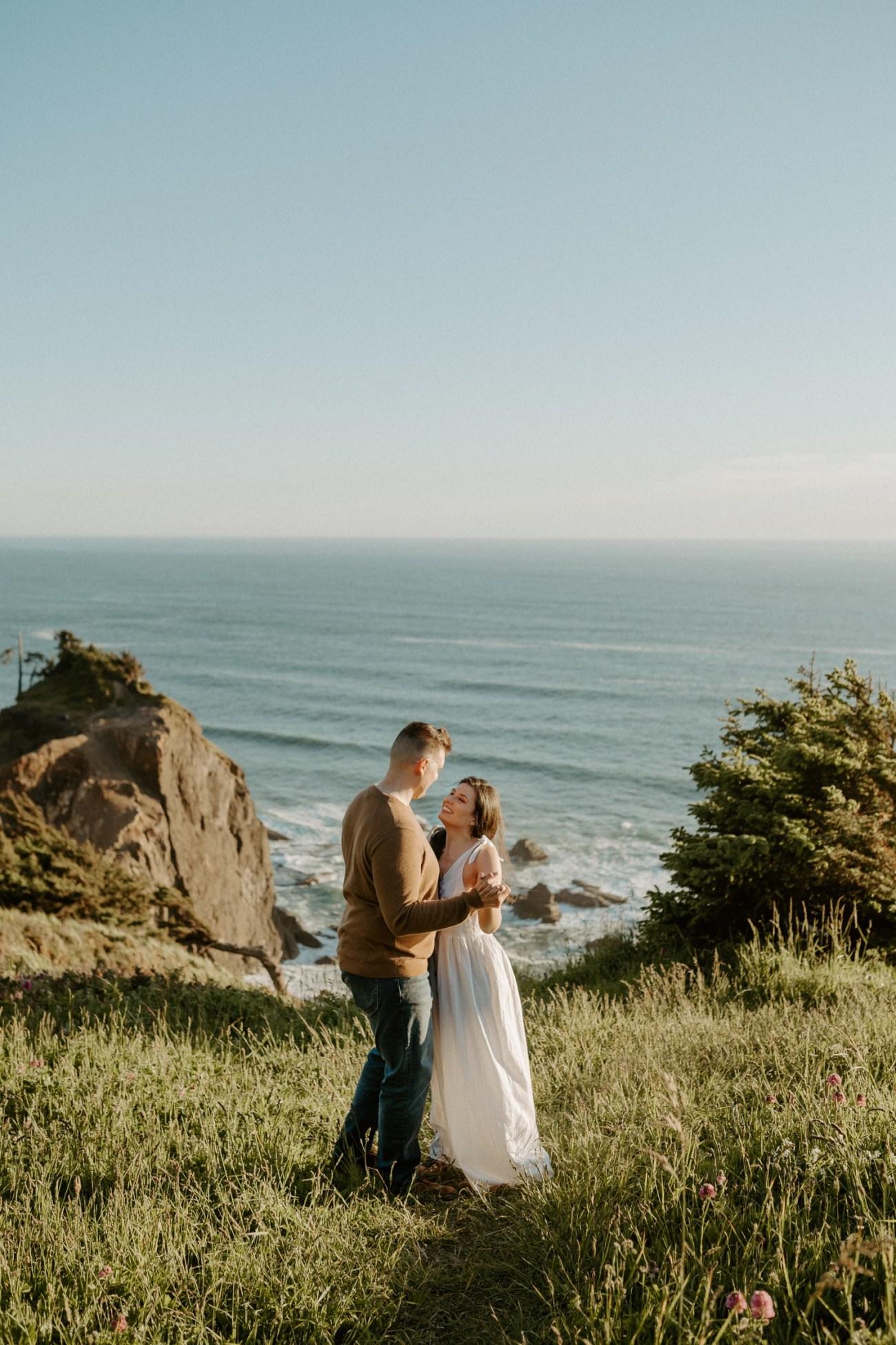 Oregon Coast Gods Thumb Engagement Session Bend Oregon Wedding Photographer Anais Possamai Photography 06