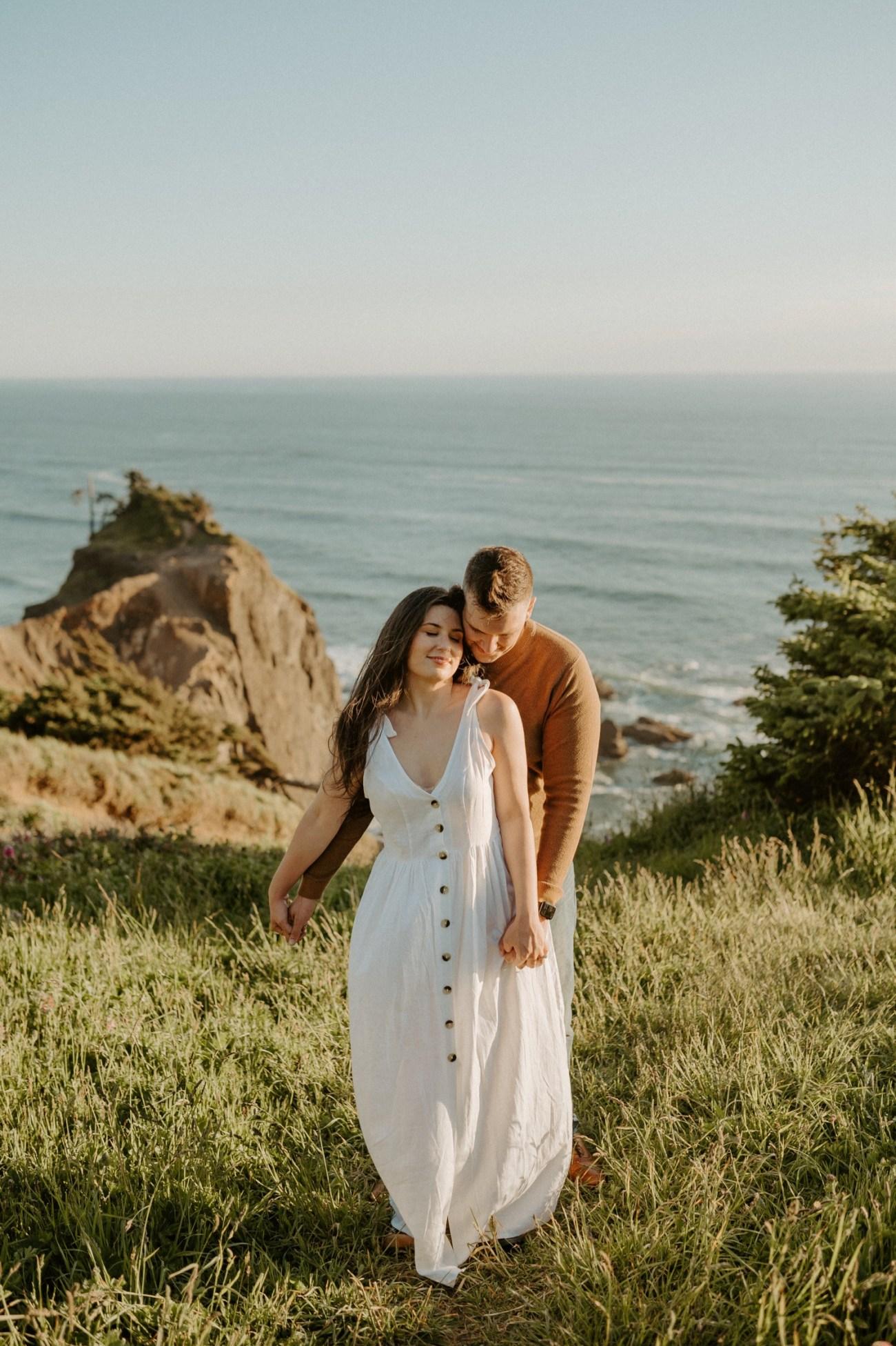 Oregon Coast Gods Thumb Engagement Session Bend Oregon Wedding Photographer Anais Possamai Photography 09