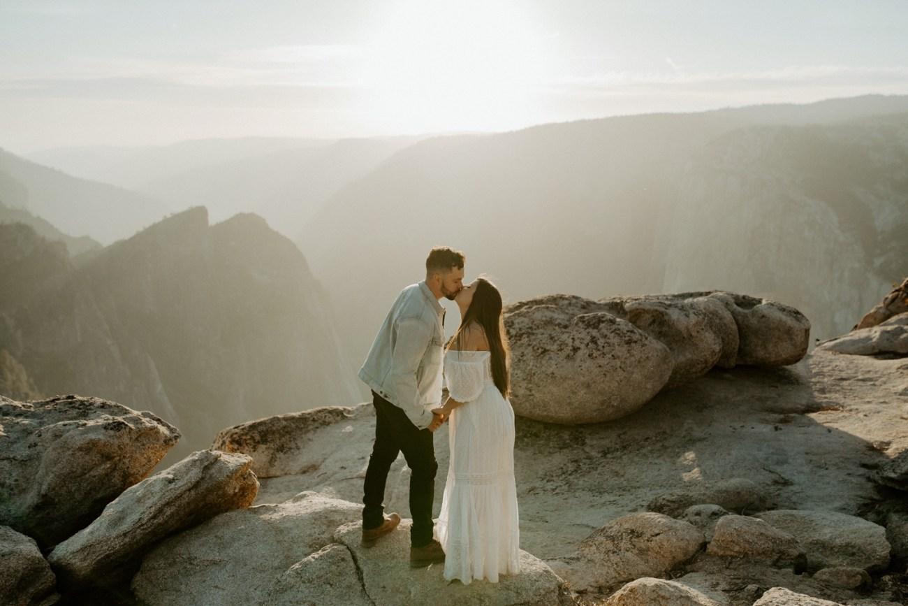 Yosemite Taft Point Engagement Session California Wedding Photographer Anais Possamai Photography 25
