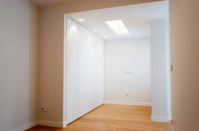 ανακαινισεις-κατοικιας-φαληρο-δωματιο-ντουλαπα-1
