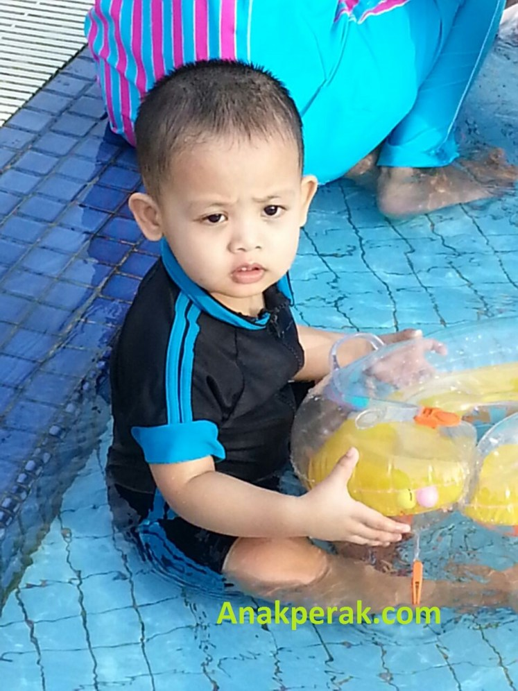Afiq Swimming 2