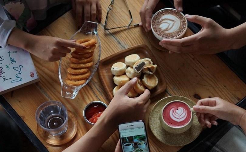 Ini Dia Makanan dan Minuman Ampuh Atasi Mabuk Perjalanan