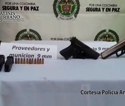 Un hombre murió y dos más resultaron heridos tras enfrentarse a la Policía en Segovia, Antioquia