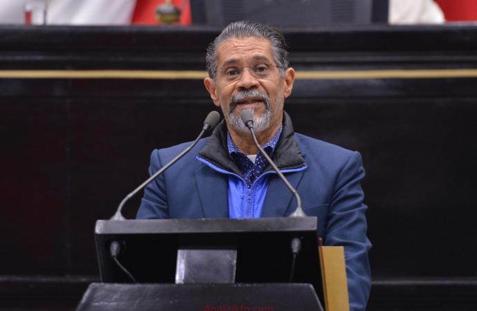 Pide Tito Delfín la disminución de costo  de las casetas a cargo de la Federación