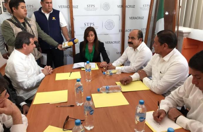 Sale Asunción González y llega Alonso Márquez a Delegación del Trabajo en Veracruz