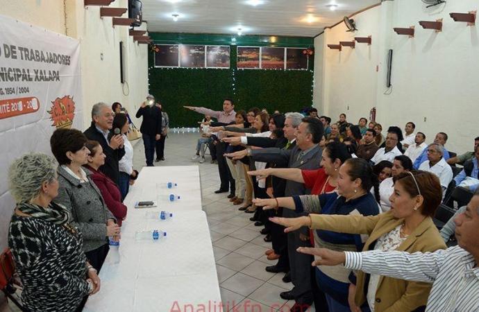 RINDE PROTESTA DIRIGENCIA DEL SINDICATO DEL DIF MUNICIPAL