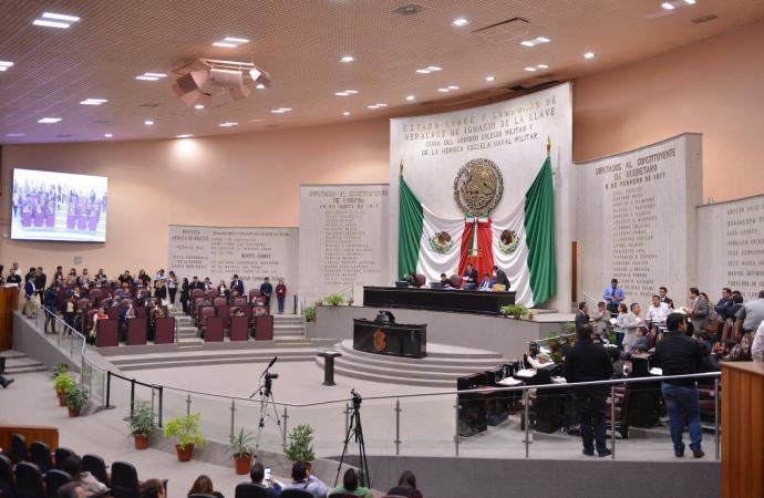 Rechazan diputados (as) reformaque elimina el fuero constitucional