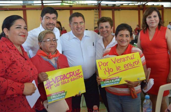 Se reúne Juan Nicolás Callejas con mujeres de Las Choapas