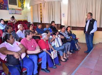 AGRUPACIONES DE VENDEDORES INFORMALES RESPALDAN ORDENAMIENTO EN CALLES DE CÓRDOBA.