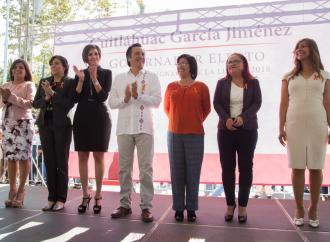Presenta Cuitláhuac García a seis mujeres que integrarán el próximo gobierno