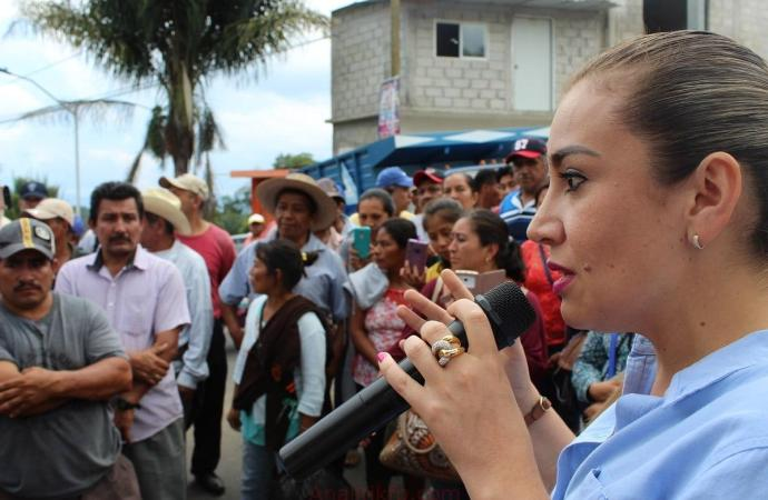 Nora Lagunes intervino para liberar carretera