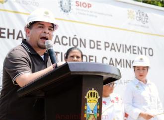 Gobierno del Estado entrega obras al pueblo: Gómez Cazarín