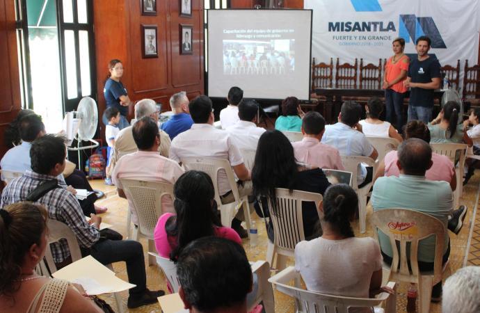 Presenta regiduría de educación oferta educativa para la capacitación de inglés