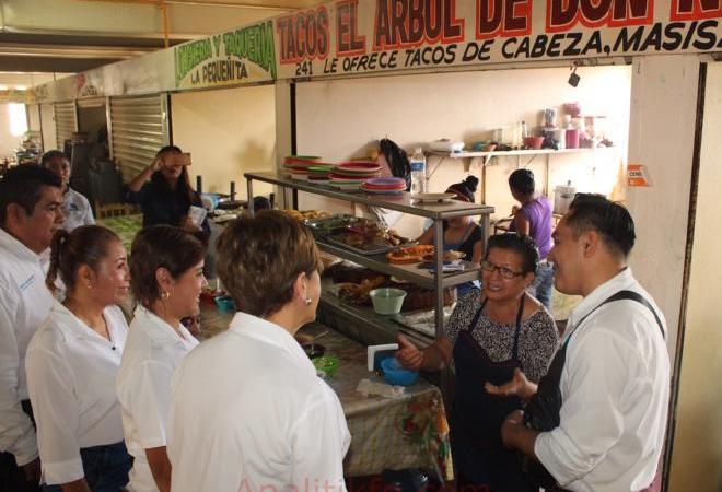 Trabajos de modernización de la red de gas en el mercado Antonio M. Quirasco