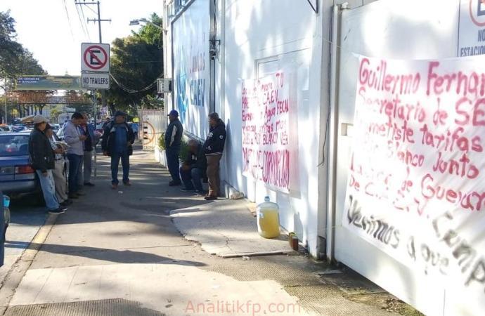 Toman CAEV piden bajar tarifas en Río Blanco