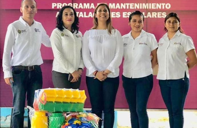 Para una digna y mejor educación, SEV entrega obra escolar en Martínez de la Torre