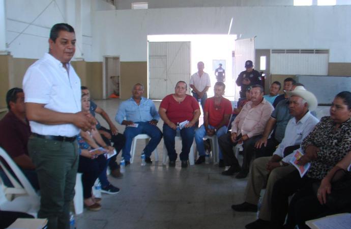 Eduardo Carranza Barradas, obtuvo primer acercamiento con Agentes Municipales de Municipio