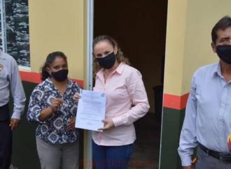 Catorce familias más tienen en Comapa un lugar digno y seguro: Carmen Cantón