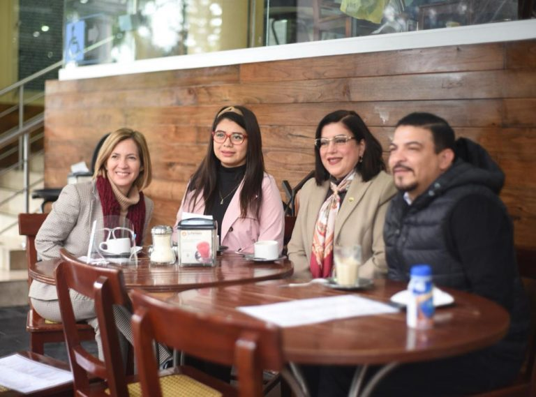 Oficializan invitación a Ricardo Ahued para inscribirse a la alcaldía de Xalapa