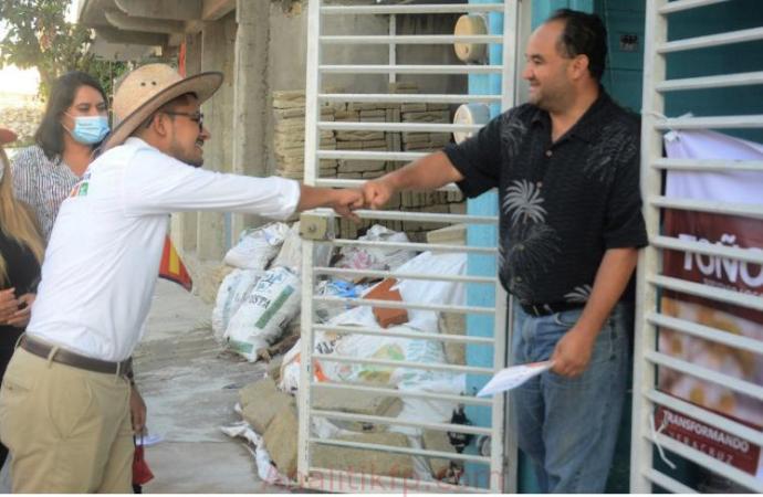 Se construirá un mercado municipal para reactivar la economía en la localidad: Erick Ruíz