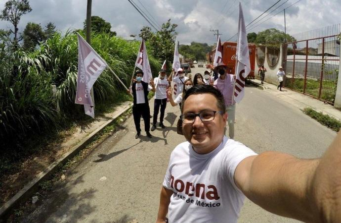 Recorre Luis Ronaldo Zárate colonias de la cabecera municipal de Coatepec