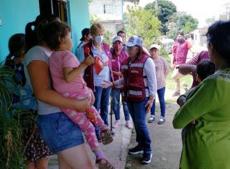 Vamos por clínicas con médicos, equipo y medicinas: Carmen Mora