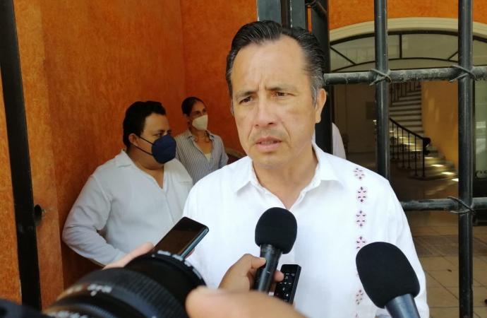 En Poza Rica reciben hasta granadas durante canje de armas: Gobernador