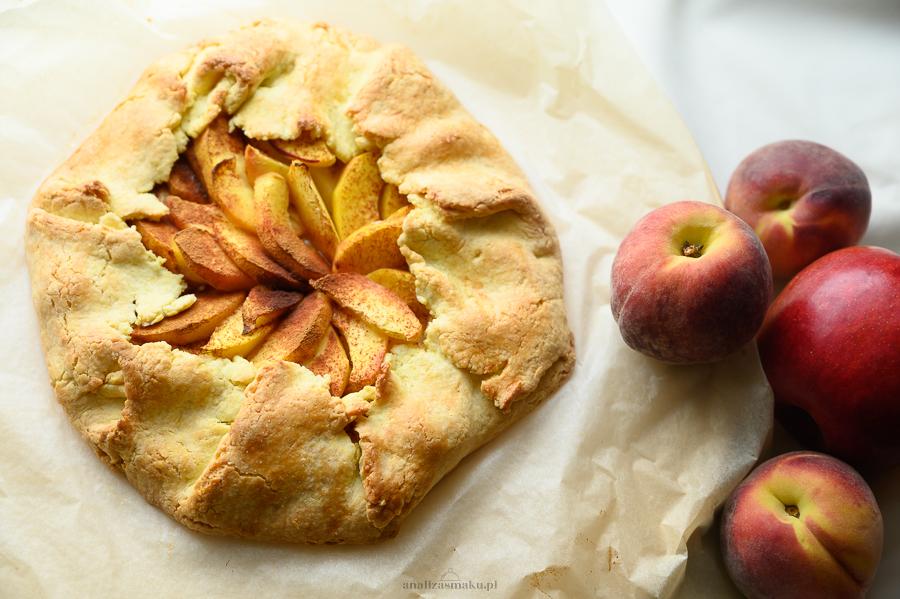 Tarta z jabłkami i brzoskwiniami