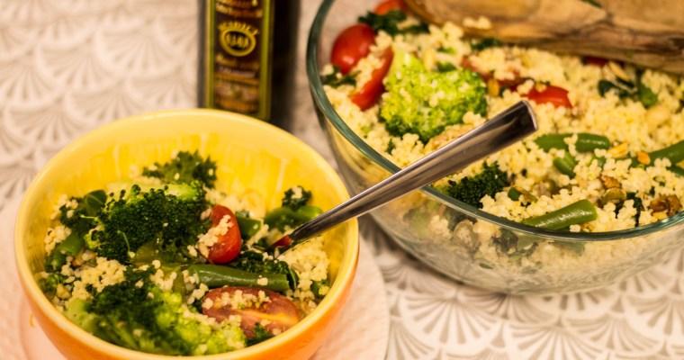 Sałatka z kaszą jaglaną i brokułami