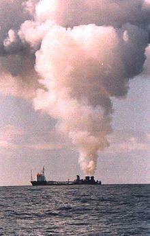 la vulcanus mentre brucia armi chimiche americane - fonte www-revolvy-com