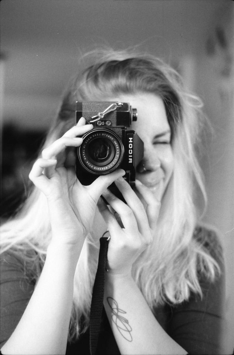 analoog zelfportret, zelfportret, tini groen, analoge kiekjes, analoge fotografie