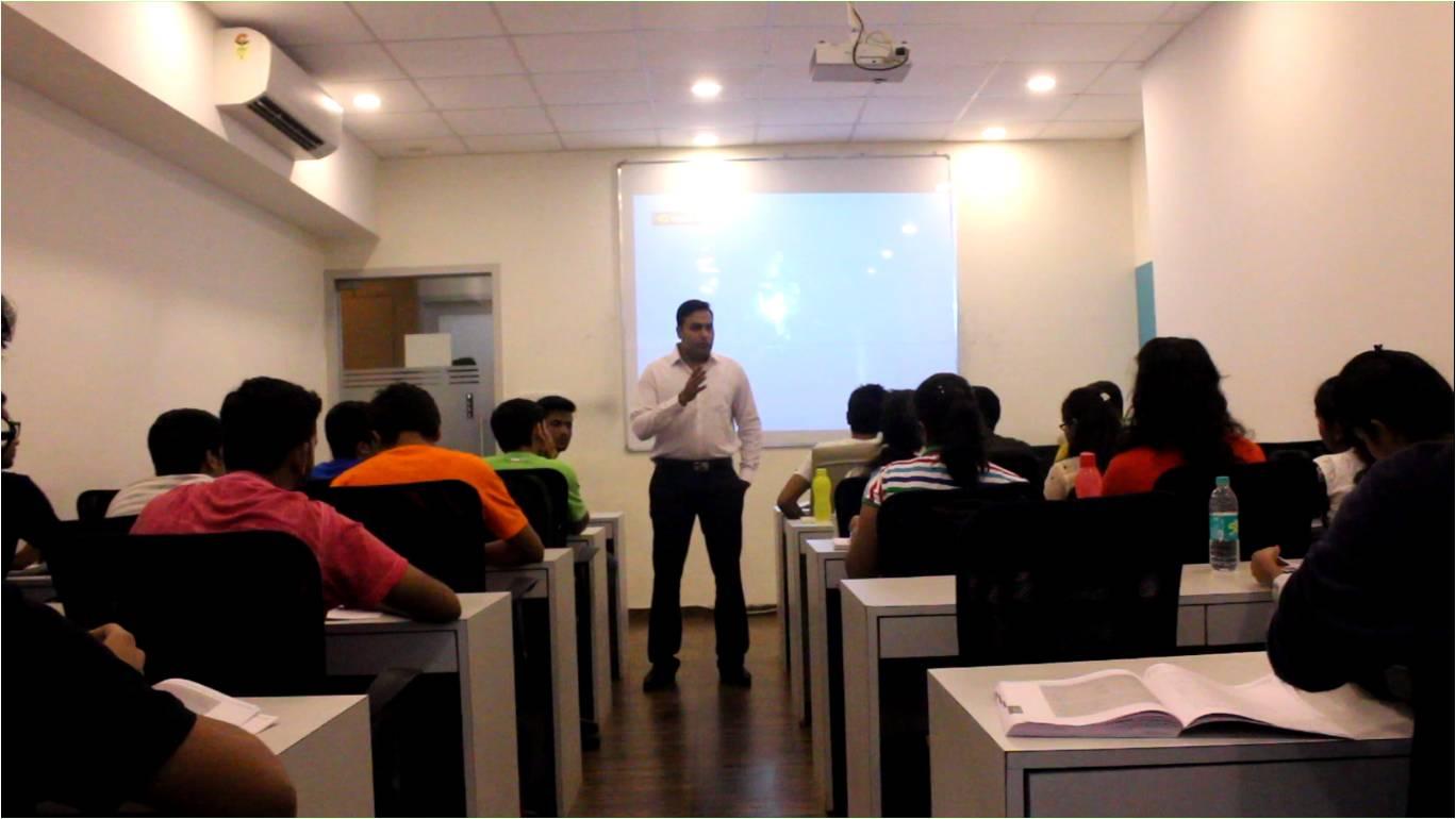 top 10 analytics    data science training institutes in
