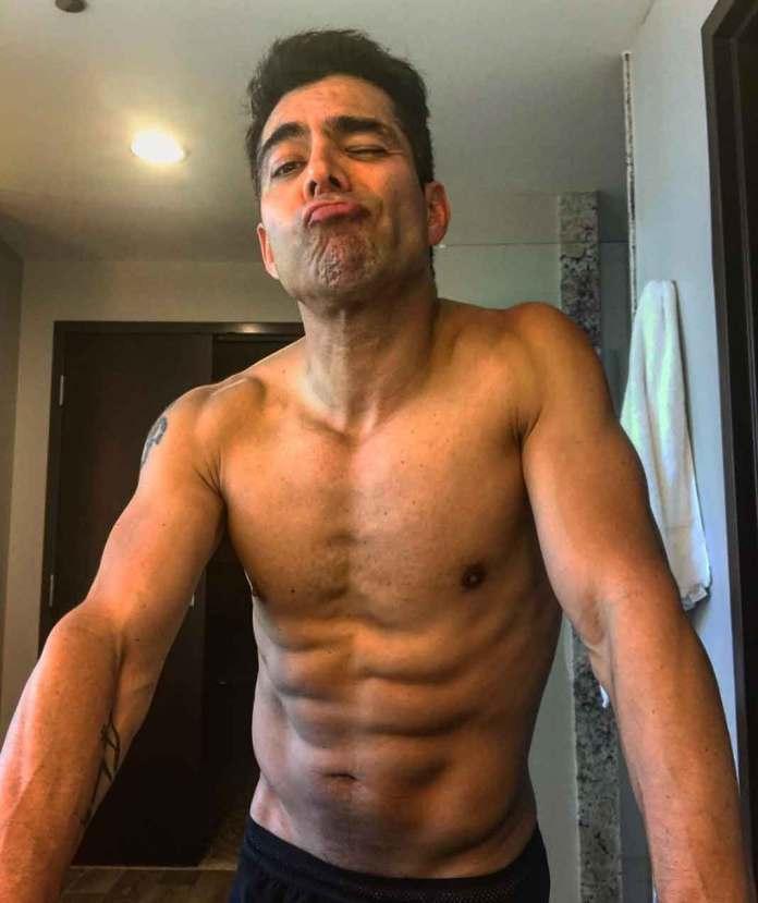 Omar publicó esta foto hace poquito, que evidencia su trabajado cuerpo