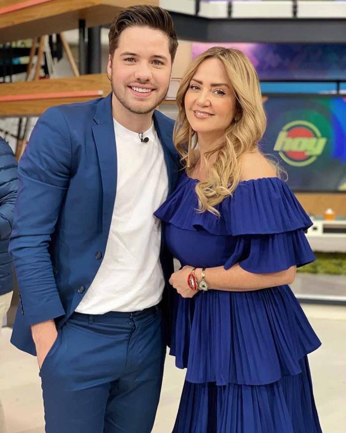 William, aquí con Andrea Legarreta, una de las presentadoras de show