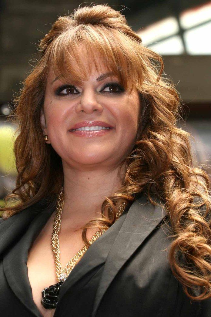 Jenni Rivera sigue estando vigente, no sólo por su música, sino por los escándalos de su familia