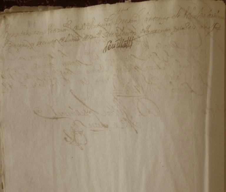 [Folio 17v] Presentado con petición de doña Antonia Mejía, ante my el alcalde ordinario en Rionegro, a treinta de junio de mil setecientos cuarenta y seis años. / Rivillas.