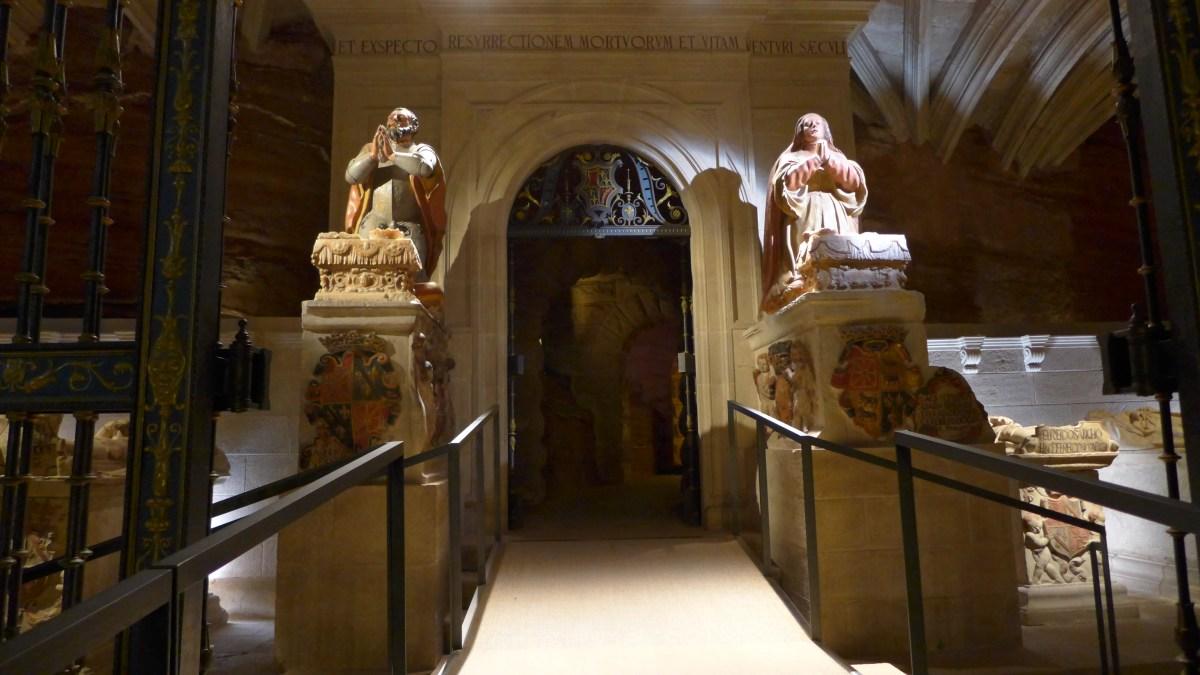 Entrada al Panteón de los Reyes.