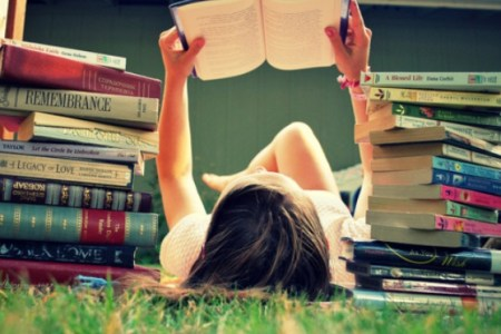 5 Books That Every Single Girl Should Read In 2017