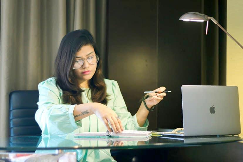 Anamika Mishra - Indian Author, Blogger, Motivational Speaker