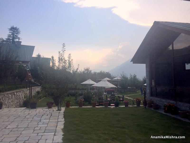 LaRiSa Mountain Resort, Manali - Hotel Review + Photos