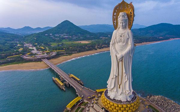 اطول 10 تماثيل في العالم