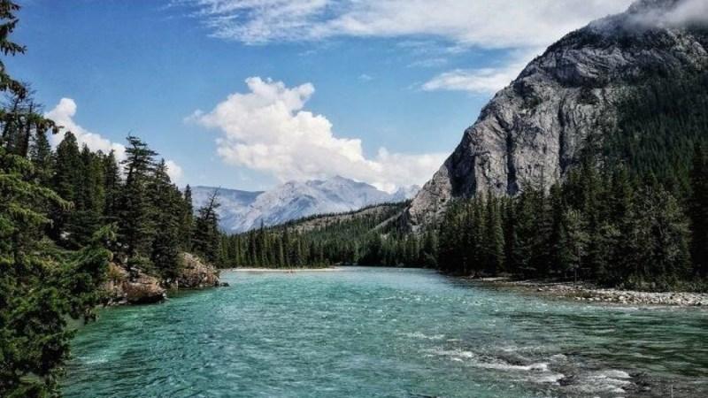أطول الأنهار في دولة كندا