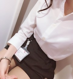 新橋キャバクラ【an_an(アンアン)】100%現役女子大生ラウンジ うらら プロフィール写真