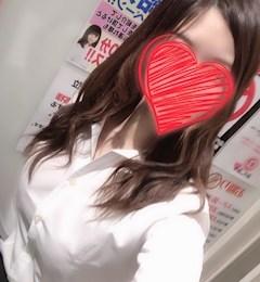 新橋キャバクラ【an_an(アンアン)】100%現役女子大生ラウンジ りつ プロフィール写真