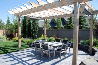 courtyard-entertaining-area