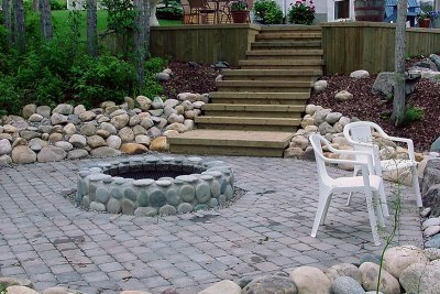 retaining-wall-outdoor-fireplace-001