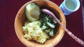 11/14 夕 お米とムング豆・キュウリと葉野菜・アボカド・バターミルク
