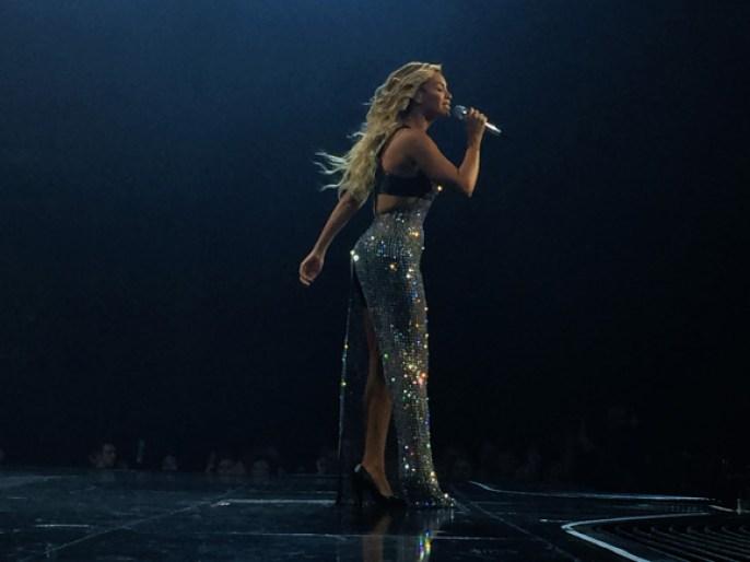 Beyonce-MrsCarter2014-Glasgow19